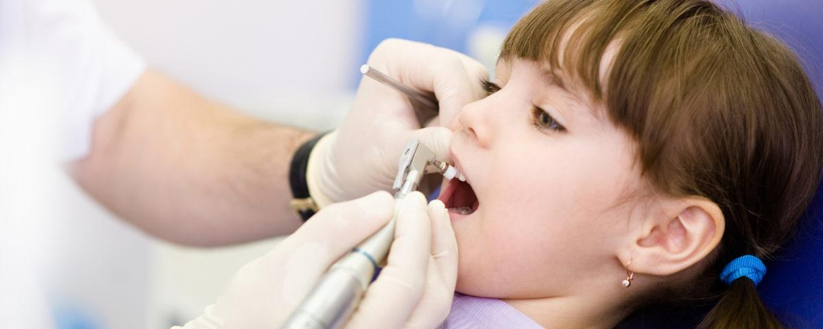 Pourquoi certaines dents sont ébréchées et d'autres non
